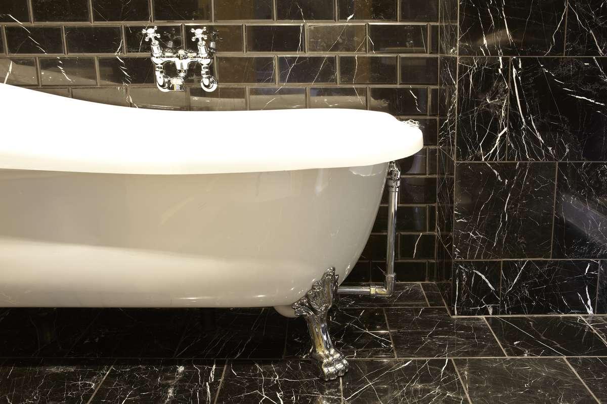 R6 bath